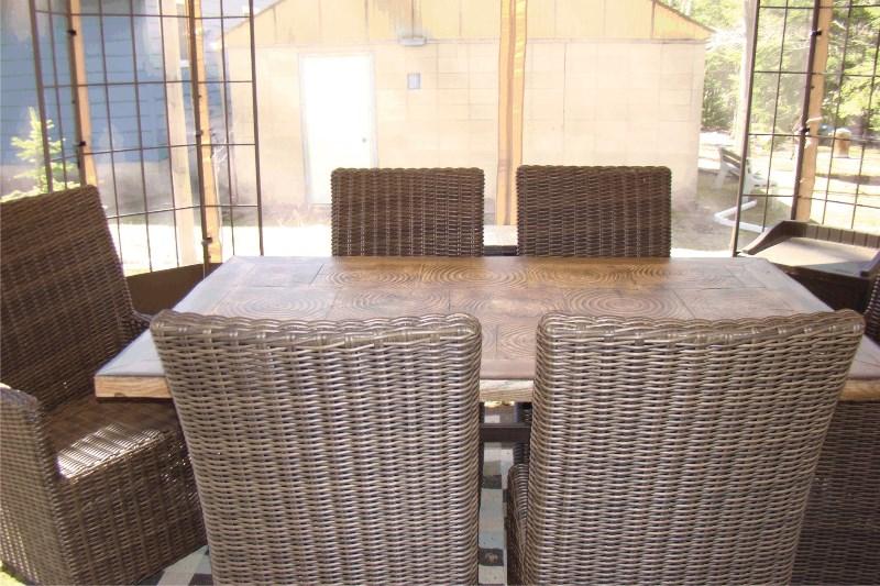 table-gazebo